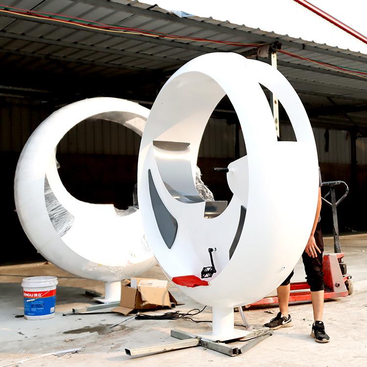 厂家直销白色不锈钢商场景区网红多功能传感互动竞速喷水车设备