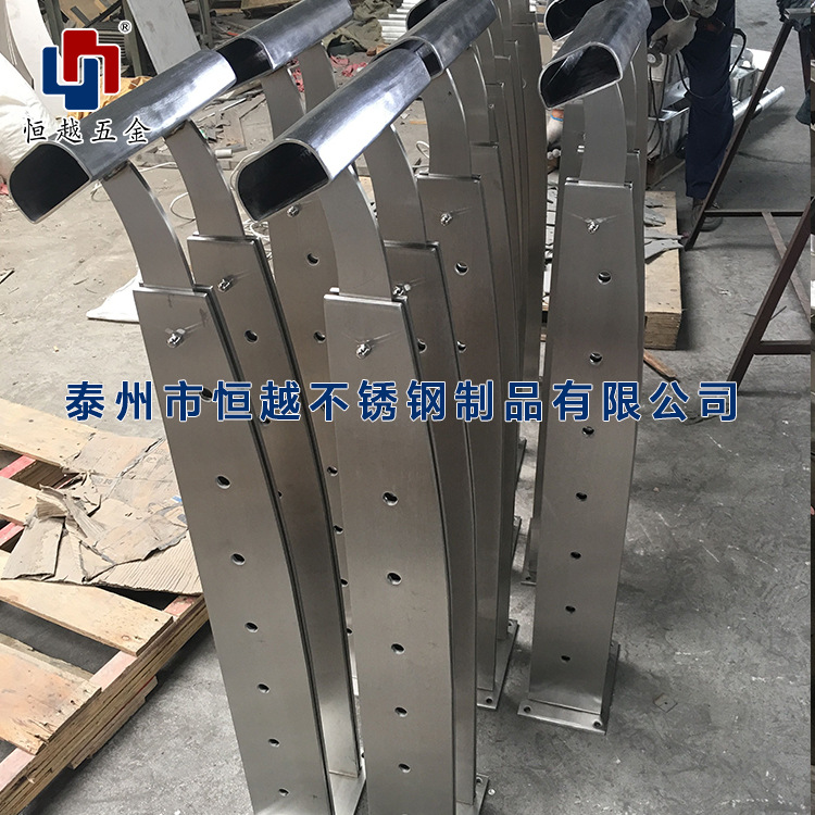 现货供应不锈钢栏杆立柱 楼梯扶手栏杆立柱支持定制不锈钢立柱