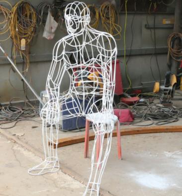创意不锈钢镂空抽象人物金属雕塑大型城市园林公园落地装饰摆件