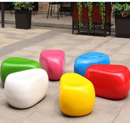 新款鹅卵石坐凳组合 购物中心休息椅幼儿园排椅商场玻璃钢休闲椅